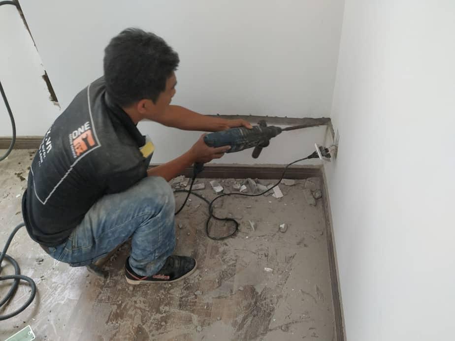 Dịch vụ đi dây điện âm tường - cách luồn dây điện âm tường trong nhà
