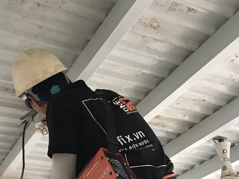 Lắp quạt trần ở đâu - Cách lắp móc treo quạt trần