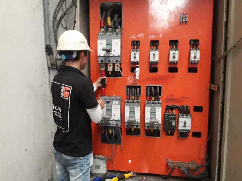 Thiết kế bố trí thiết bị cho tủ điện công nghiệp hợp lý