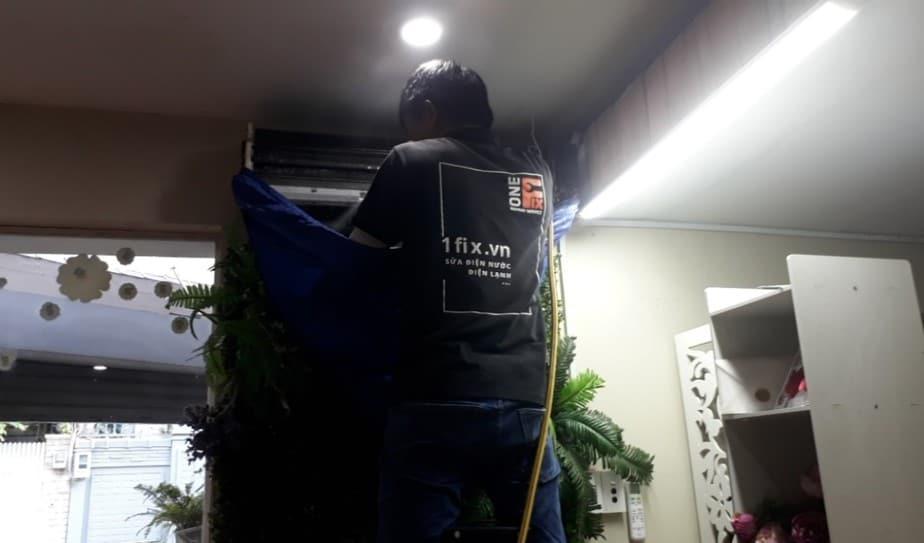 Bảng giá vệ sinh máy lạnh 2021 - Thợ rửa máy lạnh tại nhà