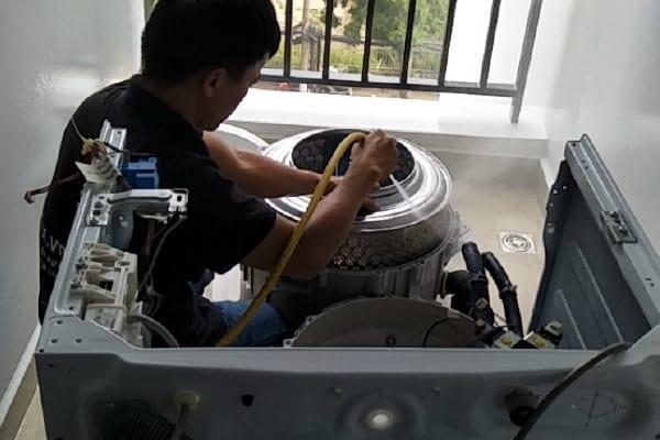Hướng dẫn bảo trì - vệ sinh máy giặt lồng ngang tại nhà