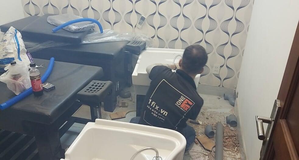Dịch vụ thợ lắp chậu rửa mặt có chân tại nhà giá rẻ