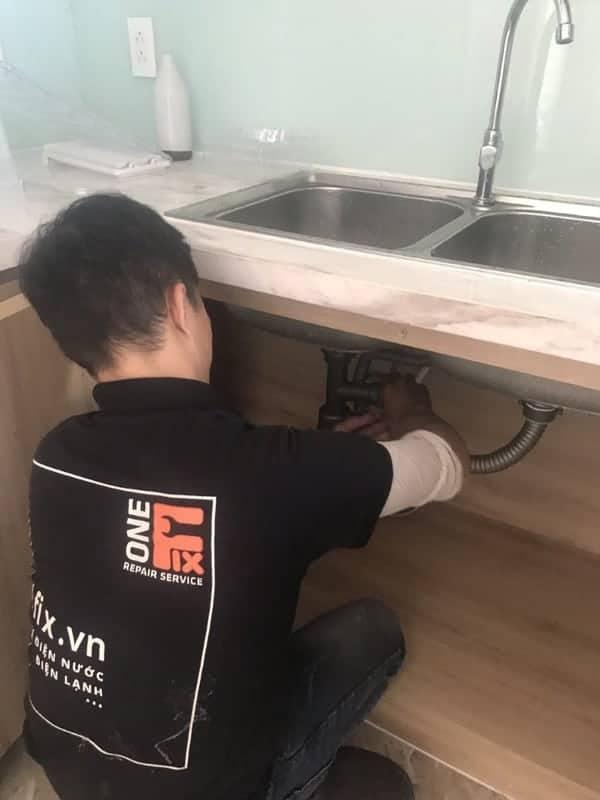 Dịch vụ thợ lắp chậu rửa mặt âm bàn tại nhà giá rẻ